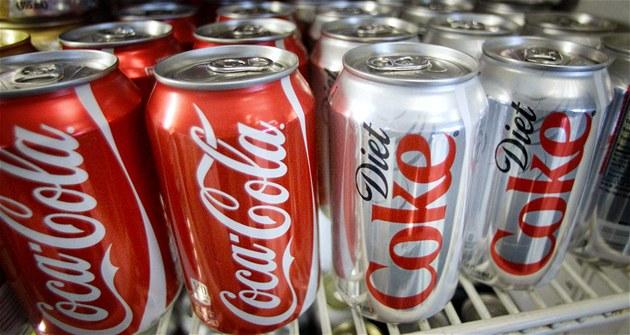 Coca-Cola koupila podíl ve výrobci energetických nápojů Monster