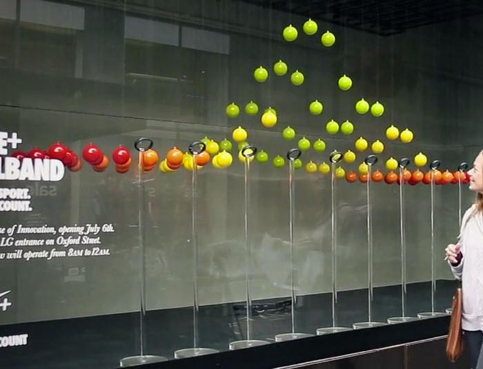Nike interaktivní displej ve výloze