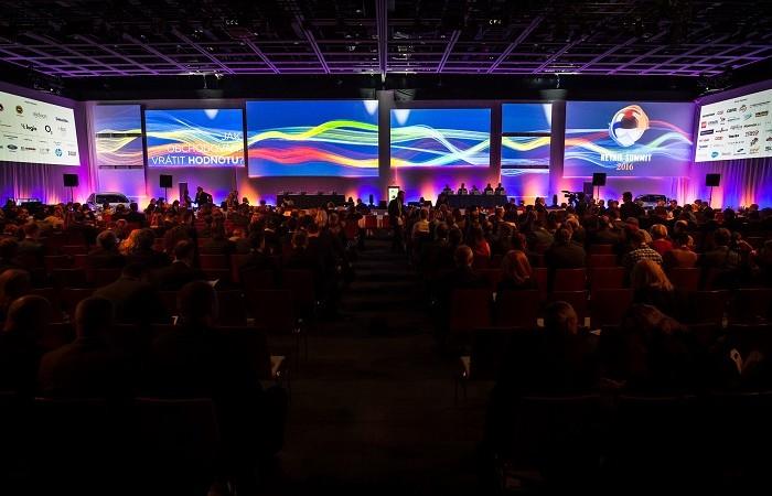 Retail Summit 2016 s ohledem na místo prodeje