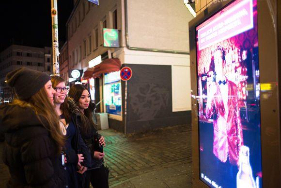Billboard Astra Beer detekuje obličeje žen na ulici