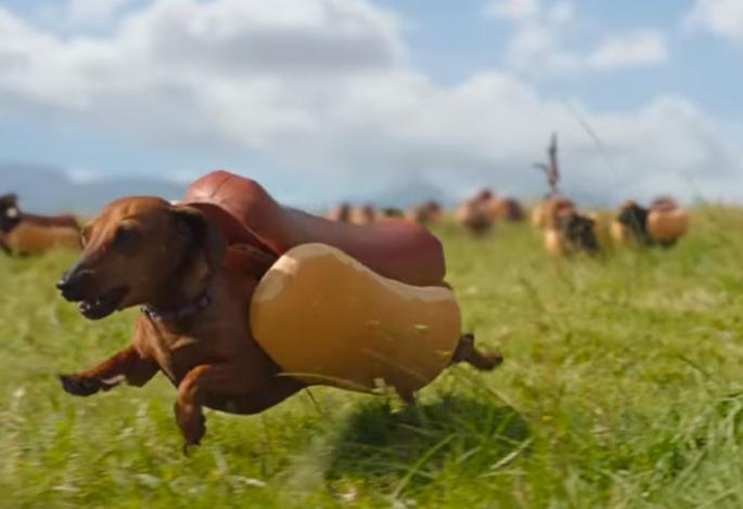 Heinz dominuje sociální médiím s roztomilou reklamou o hotdogu a jeho páníčkovi kečupu
