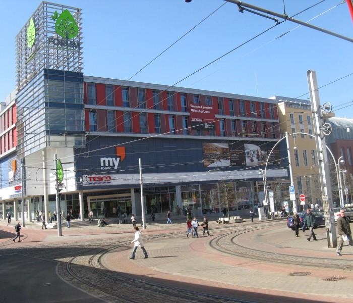Jihoafrická společnost Rockcastle odkoupila od Tesca liberecký obchodní dům Forum za 2,1 miliardy korun
