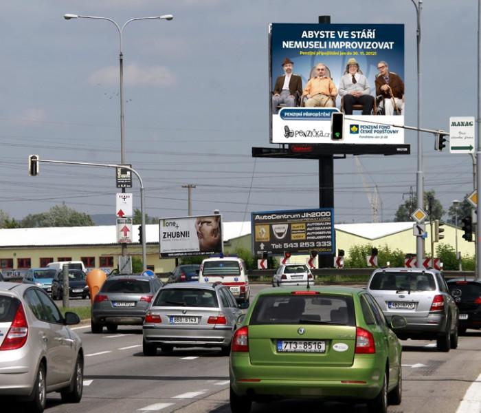 Průměrný dospělý Čech je vystaven téměř 37 reklamám denně