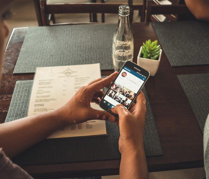 Už 12% českých zákazníků nakupuje přes mobil