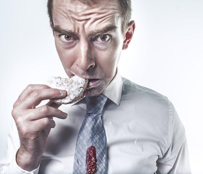 Až 8 z 10 Čechů je zvyklých pravidelně snídat, obědy si pak více než třetina lidí nosí s sebou