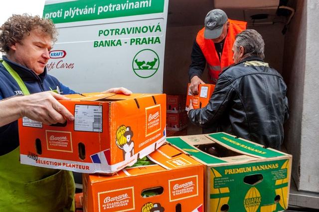 Potravinové banky ve všech regionech jsou připraveny vpřípadě potřeby uvolnit zásoby