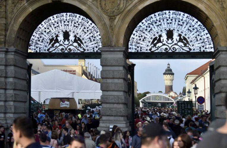 Pilsner Urquell ruší letošní ročník Pilsner Festu