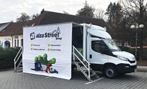 Nová pojízdná prodejna Alza StreetShop vyrazila za zákazníky do regionů