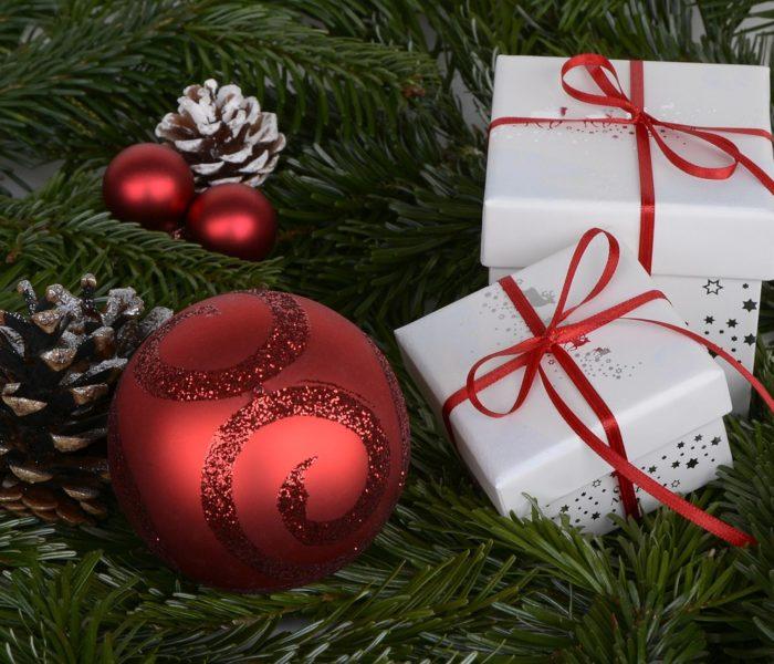 Podle GfK osm procent Čechů se přiznává k tomu, že vždy dostává na Vánoce nevhodné dárky