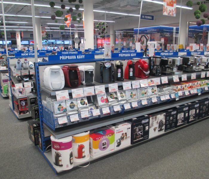 Po Vánocích lidé nejvíc vrací levnější elektroniku a oblečení