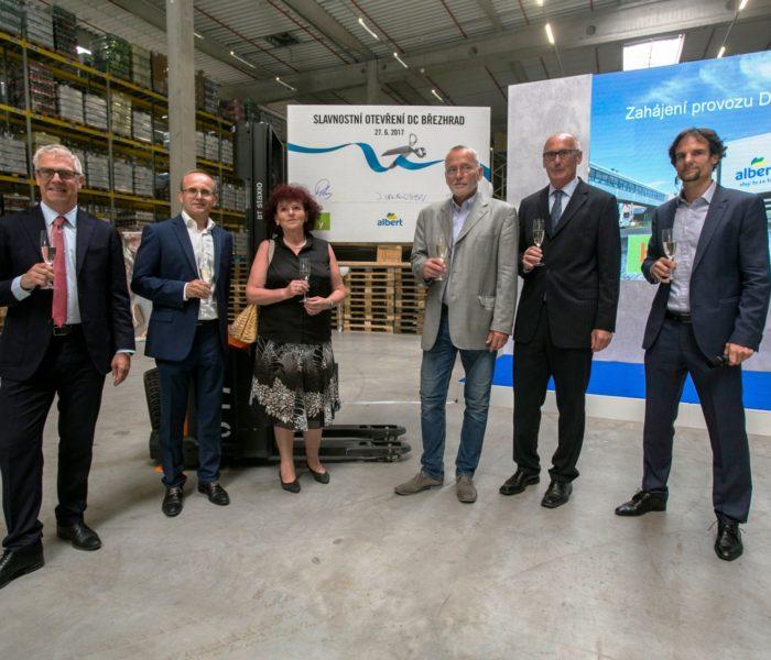 Albert otevřel nové distribuční centrum u Hradce Králové