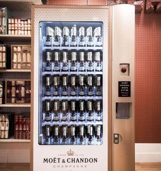 První prodejní automat na šampaňské na světě nabízel značku Moët & Chandon