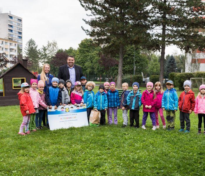 Děti v mateřské škole v Hradci Králové dostaly 127.250 korun na nové pomůcky
