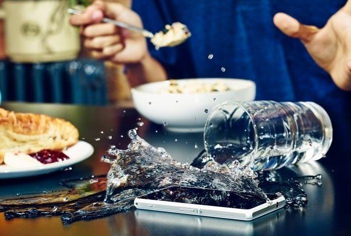 Počet případů nehod chytré elektroniky roste v létě o více než polovinu