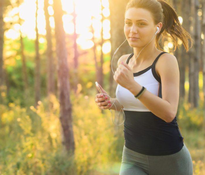 Polovina mladých lidí využívá chytré telefony k monitorování svých sportovních aktivit