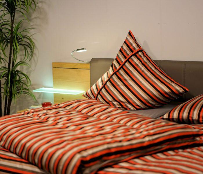 Průměrná roční útrata za nákup nábytku a bytových doplňků na internetu byla loni 9 100 Kč