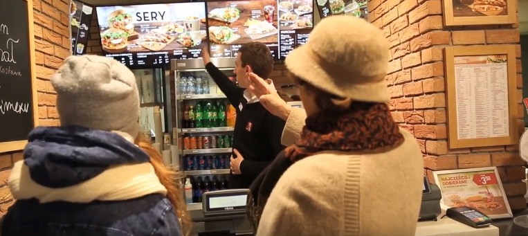 Jak řetězec KFC myslel v Polsku na seniory