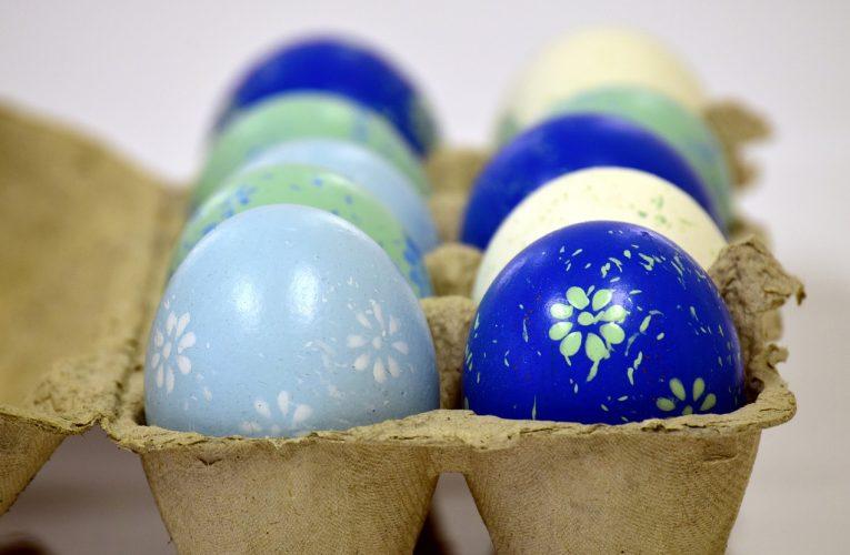 Průměrná cena jednoho vejce byla letos před Velikonoci 2,26 Kč, o 4 haléře více než loni