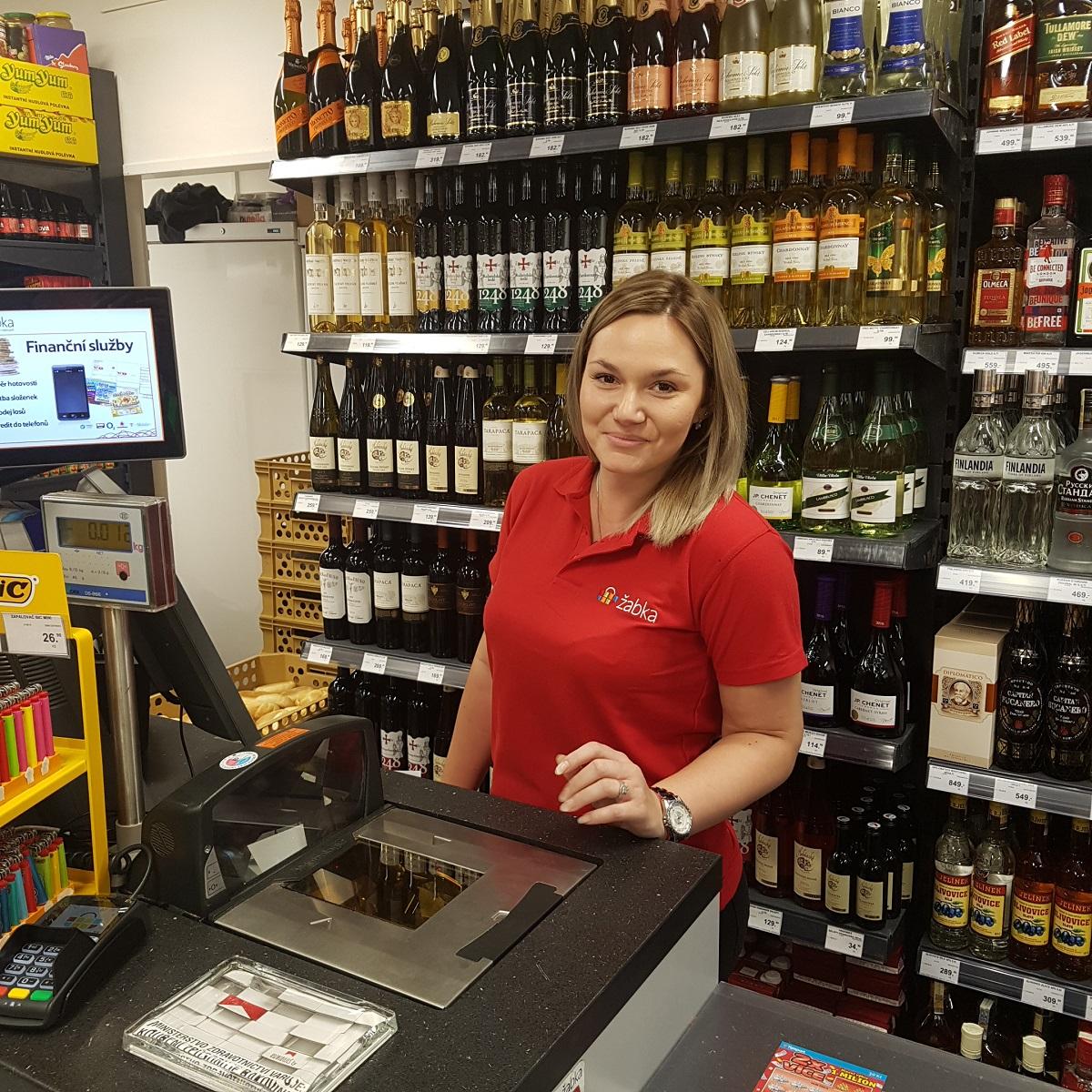 V centru Prahy se na konci června otevřela další nová prodejna obchodní  sítě Žabka. Zákazníci v Havelské ulici naleznou útulný a skvěle zásobený  obchod b87671ed3a