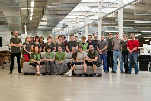 Český výrobce čalouněného nábytku Böhm Jihlava slaví 25. výročí založení