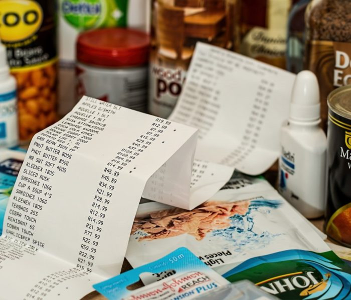 Účtenku za nákup potravin pravidelně kontroluje 71 procent Čechů