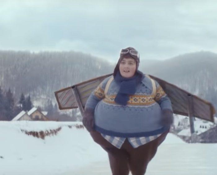 Nový TV spot německého řetězce EDEKA o chlapci, který chce létat