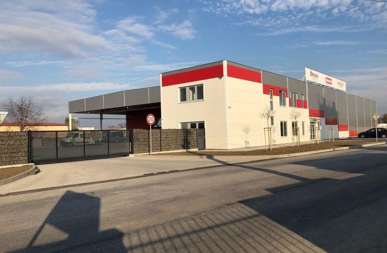 Pivovar Svijany otevřel nový distribuční sklad v Leopoldově
