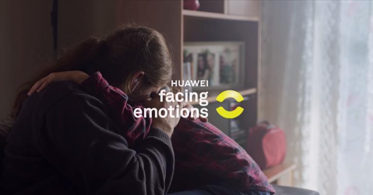 Huawei představuje aplikaci Facing Emotions, která umožňuje nevidomým vnímat emoce druhých