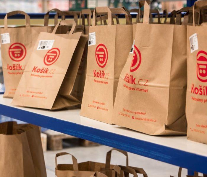 Košík o letošních Vánocích minimalizuje plýtvání potravinami díky umělé inteligenci