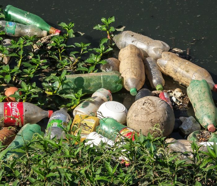 Záloha na PET lahve by k vracení lahví do obchodu motivovala téměř 9 z 10 Čechů