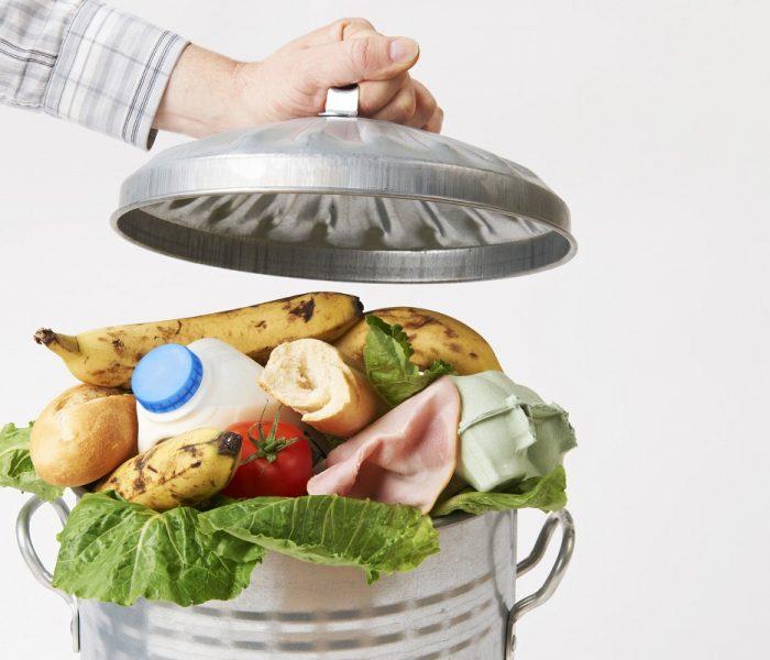 Češi jídlem vědomě neplýtvají, schází jim však čas a inspirace, jak potraviny využít