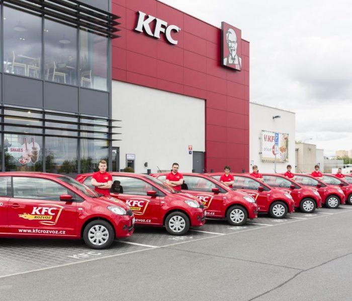 KFC Rozvoz už zákazníkům doručilo milion kuřecích pochoutek plukovníka Sanderse