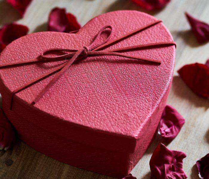 Z lásky si dáváme bonboniéru