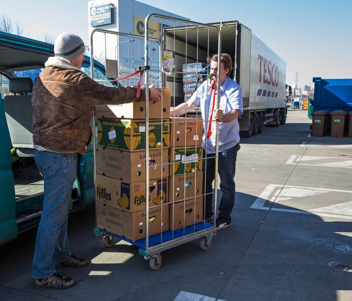 20 nových obchodů Tesco daruje přebytky potravinovým bankám