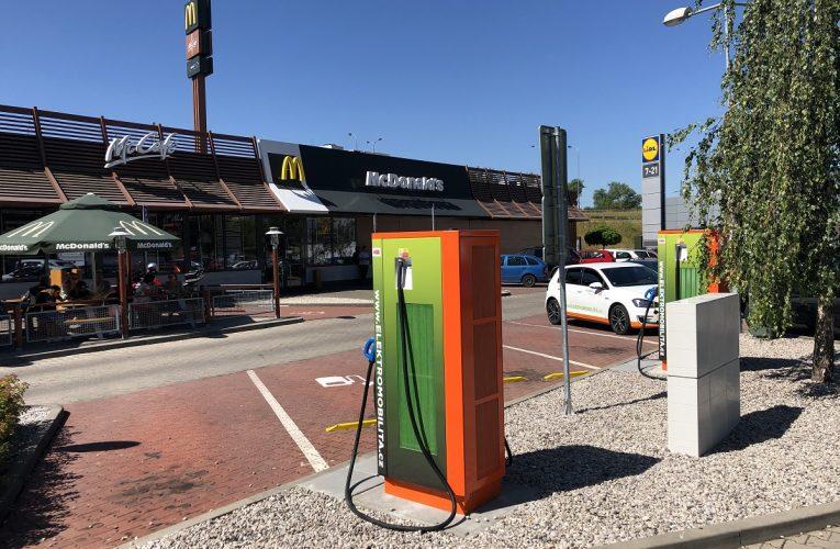 McDonald´s ve spolupráci sČEZ rozšiřuje nabídku pro řidiče elektromobilů