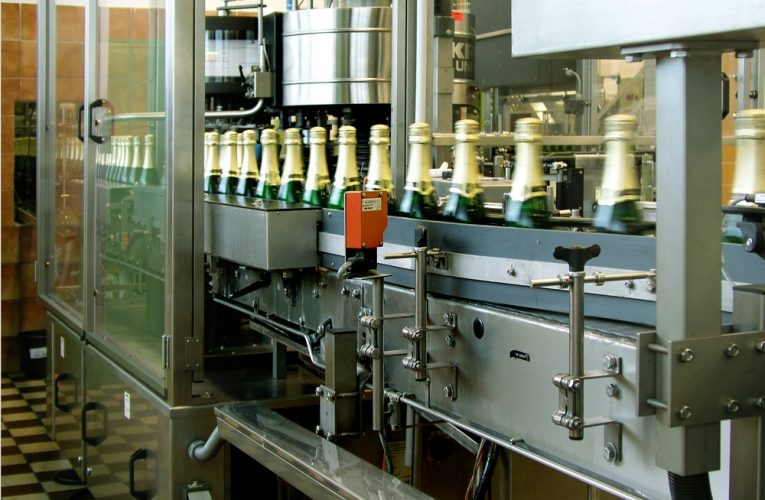 Češi se vezou na vlně bublinek, ročně se v tuzemsku prodá přes 22 milionů lahví