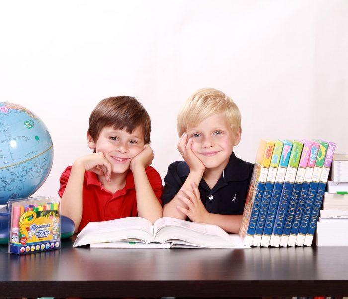 Polovina rodičů kupuje dětem školní pomůcky až ve chvíli potřeby
