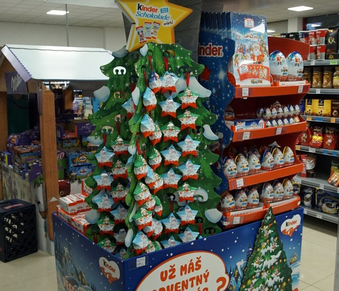 Ocenění TOP In-store realizace měsíce listopadu 2019 získala kampaň Kinder Vánoční tetralizace