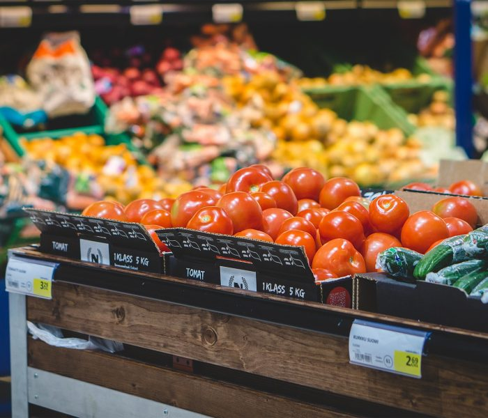 Minimální mzda a ceny základních potravin ve světě a v ČR
