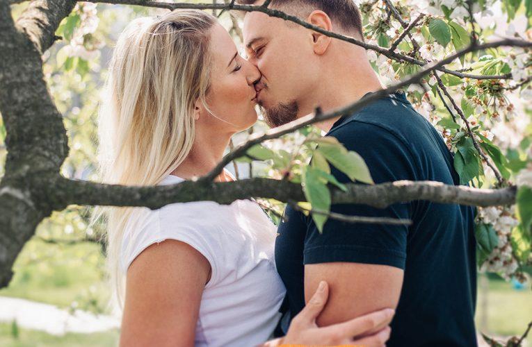 Kofola: láska kvete pod každým stromem