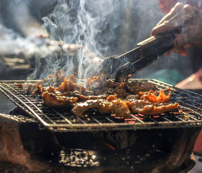 Češi grilují jednou za 14 dní a nejčastěji si připraví vepřové a kuřecí maso z hypermarketu
