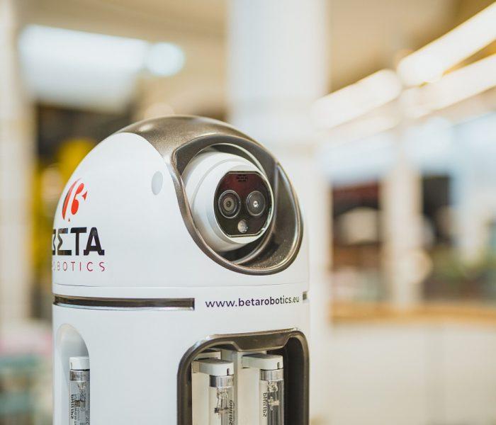 Westfield Chodov jako první centrum vČesku testuje kdezinfekci prostor autonomního UV robota