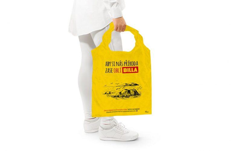 BILLA vyrobila tašky z15 tun plastů vylovených v Pacifiku
