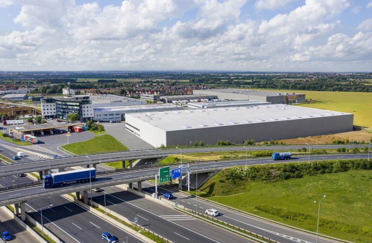 Poslední velké skladové prostory u D1 blízko Prahy pronajaty,  využije je XXXLutz