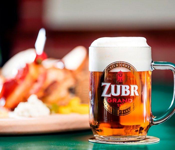 Českému pivu 2020 dominovaly pivovary Holba, Litovel a Zubr