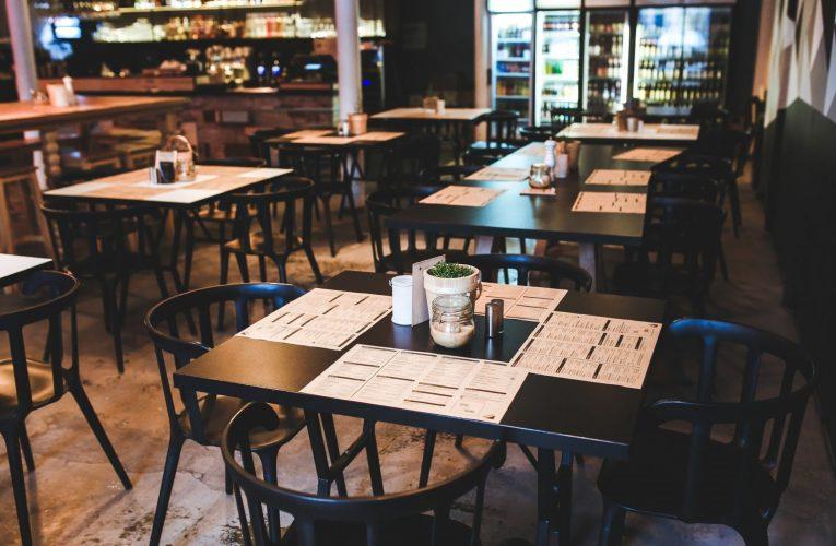 Restaurace jakž takž zvládají, bary a hospody jsou na tom podstatně hůř