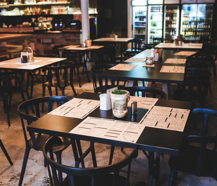 Uzavření hospod a restaurací způsobí pivovarům  stamilionové ztráty