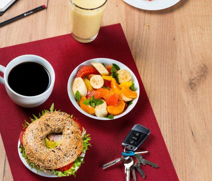 Dáme jídlo nově rozváží také snídaně