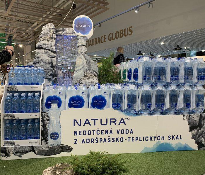 Voda Natura proudí prodejnami Globus