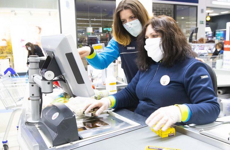 Tesco navýší základní tarifní mzdy v průměru o 5 %